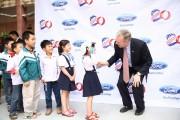 Đại sứ Mỹ tại Việt Nam thăm nhà máy Ford Hải Dương