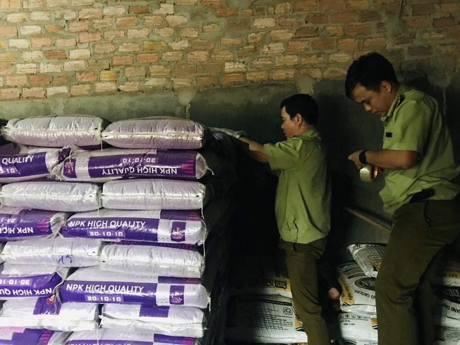 Gia Lai: Phát hiện gần 10 tấn phân bón nhập khẩu không ghi nơi sản xuất