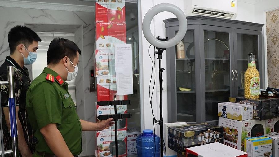 Tại địa chỉ Shop Thủy Top, 455A Bát Khối có đầy đủ các dụng cụ phục vụ livestreams