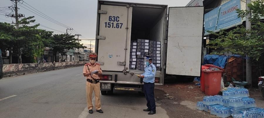 Tiền Giang: Xử phạt công ty nhập khẩu 4 tấn đầu cá hồi nhập khẩu vi phạm nhãn