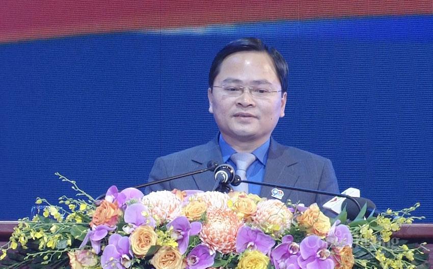 Bí thư thứ nhất Trung ương Đoàn Nguyễn Anh Tuấn đọc diễn văn tại buổi lễ kỷ niệm