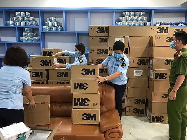 Lực lượng chức năng thu giữ trên 17.000 khẩu trang có dấu hiệu giả mạo nhãn hiệu 3M (Mỹ)