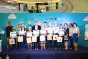 Trung tâm mua sắm Robins tài trợ hơn 100 triệu đồng cho trẻ em nghèo