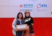 Bảo hiểm Bưu điện cùng Quỹ Dongbu tặng quà học trò vùng cao