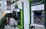 """""""Bí quyết"""" thực hiện giao dịch an toàn và thuận tiện trên máy ATM dịp Tết này?"""