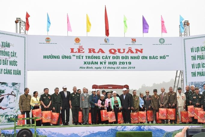 toyota viet nam dong hanh cung bo tai nguyen va moi truong tai tet trong cay 2019