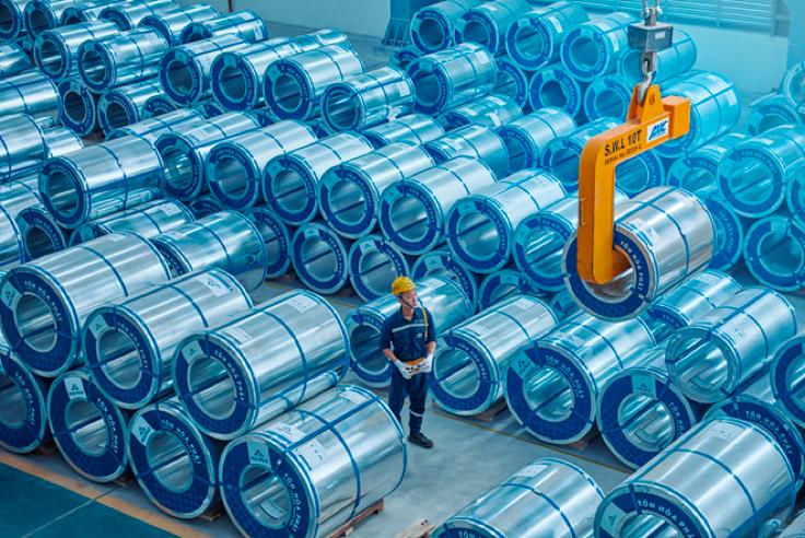 Hòa Phát xuất khẩu 12.000 tấn Tôn mạ đi châu Mỹ