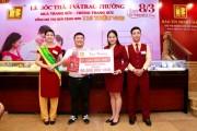 Khách hàng Bảo Tín Minh Châu nhận quà lớn