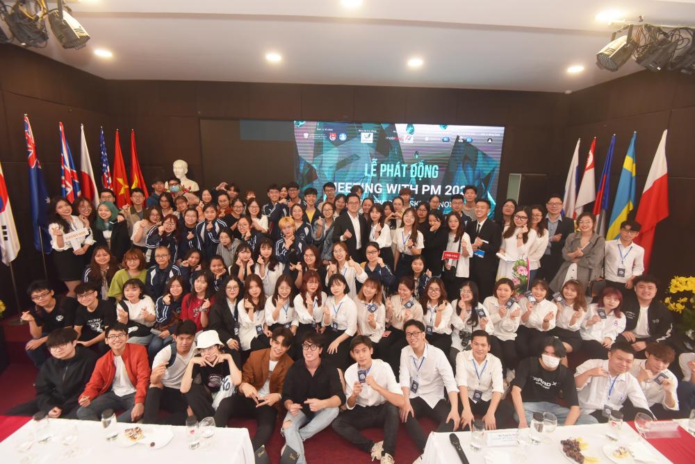 Meeting with PM 2021: Sân chơi lý thú về kinh tế chính trị cho sinh viên