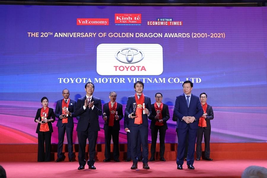 Toyota Việt Nam nhận Giải thưởng Rồng Vàng lần thứ 20