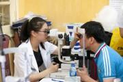 Tập trung điều trị tật khúc xạ mắt ở trẻ em