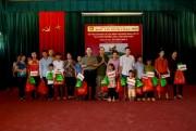 Bảo Tín Minh Châu trao 100 suất quà cho gia đình chính sách tại Điện Biên