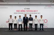 Sinh viên khối kỹ thuật nhận học bổng Toyota