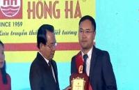 van phong pham hong ha lot top 1 hang viet nam duoc nguoi tieu dung yeu thich nam 2018