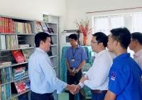 pv gas va doanh nghiep thanh vien dong hanh trao tang tu sach cho truong hoc