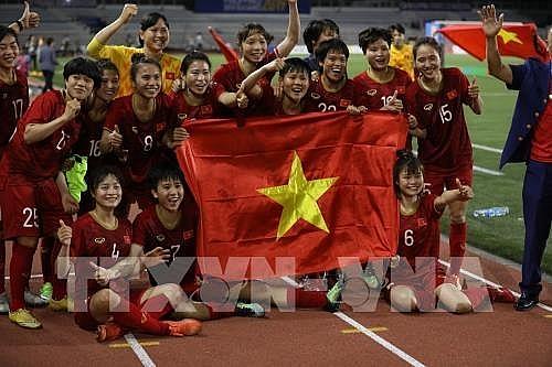 vietcombank thuong 500 trieu dong cho doi tuyen bong da nu vo dich sea games 30