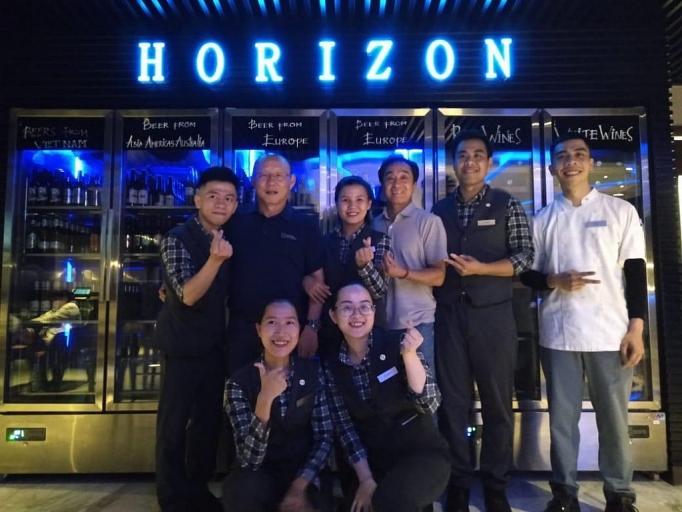 alphanam group nhan bao tro nghe nghiep cho cac van dong vien viet nam