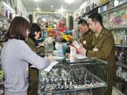 Cục Quản lý thị trường kiểm tra các cơ sở kinh doanh mỹ phẩm trên địa bàn Hà Nội