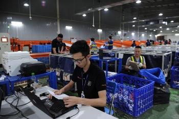 Xuất khẩu xuyên biên giới thông qua thương mại điện tử: Thay đổi để nắm bắt thời cơ