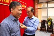 Phó Tổng giám đốc Petrolimex Vương Thái Dũng vinh dự nhận Huy hiệu 30 năm tuổi Đảng