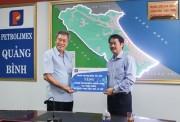 Petrolimex Sài Gòn tặng Petrolimex Quảng Bình 100 triệu đồng khắc phục hậu quả bão lũ