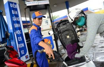 Giữ nguyên giá xăng, giá dầu diesel tăng