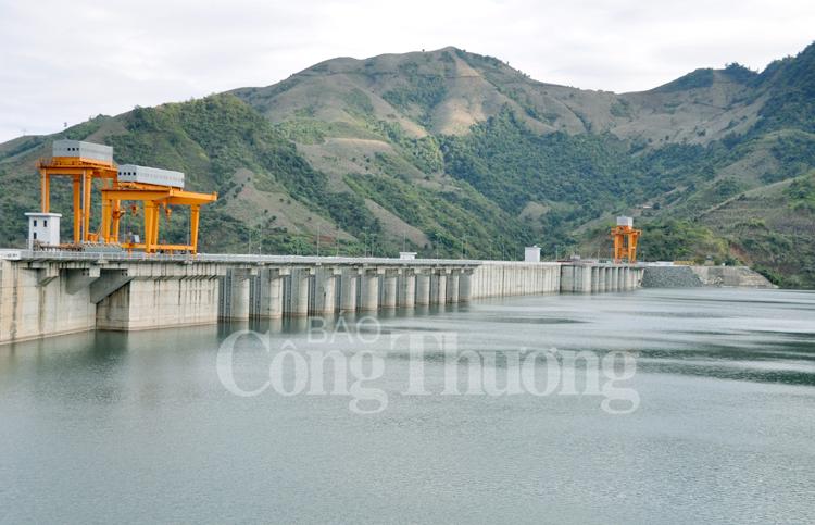 Khám phá trải nghiệm lòng hồ thủy điện Sơn La