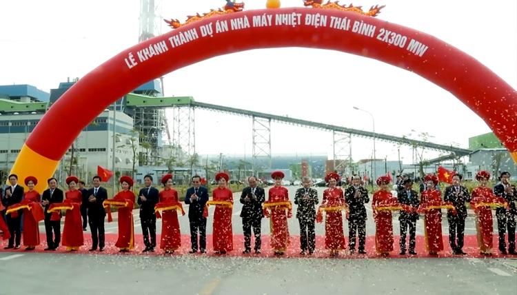 Thủ tướng cắt băng khánh thành nhiệt điện Thái Bình