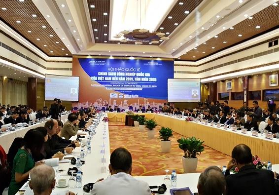 Hiến kế thúc đẩy phát triển công nghiệp Việt Nam