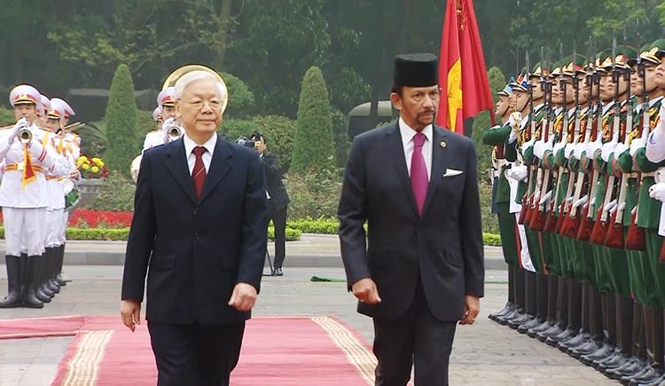 Đón tiếp trọng thể Quốc vương Brunei Darussalam