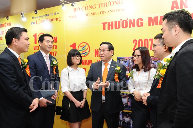 Vinh danh các Doanh nghiệp đạt Giải thưởng Thương mại dịch vụ Việt Nam 2016