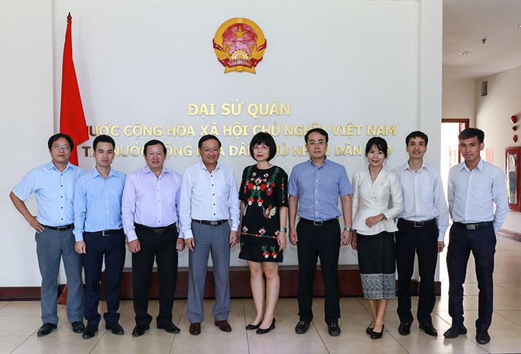Tăng cường truyền thông, thúc đẩy kinh tế thương mại Lào Việt