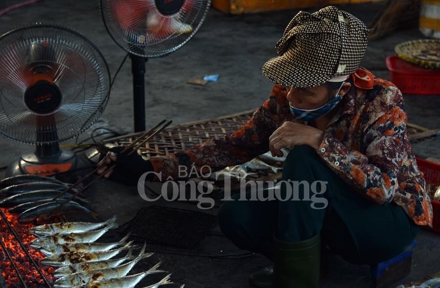Hấp dẫn nghề nướng cá ở biển Cửa Lò