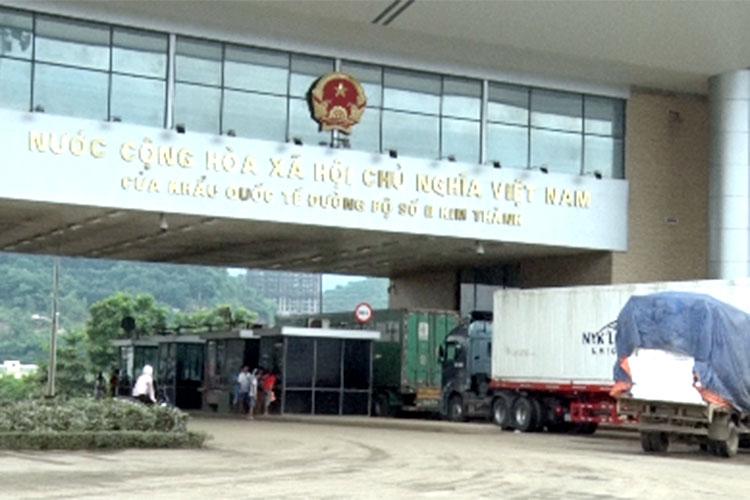 Lào Cai: Sôi động hàng hóa xuất nhập khẩu