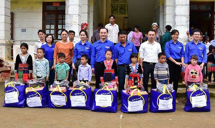 Tuổi trẻ Bộ Công Thương và chuyến hành trình đến với bà con vùng lũ tỉnh Lai Châu