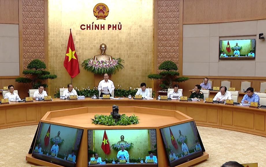 Thủ tướng Nguyễn Xuân Phúc: Quyết liệt, đồng bộ để hoàn thành 12/12 chỉ tiêu Quốc hội giao