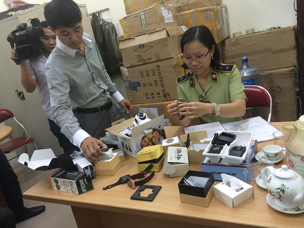 Hà Nội: Thu giữ 31 thùng hàng hóa không rõ nguồn gốc
