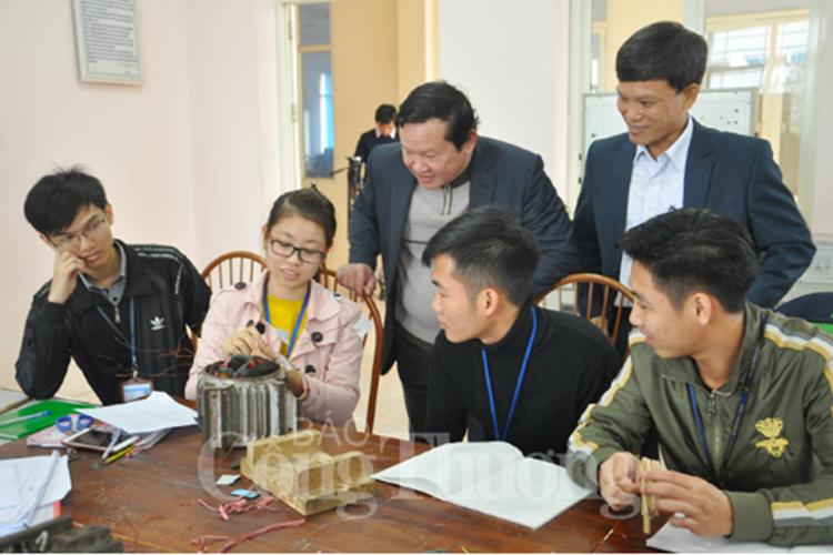 Thăm và làm việc với trường Đại học Công nghiệp Việt - Hung