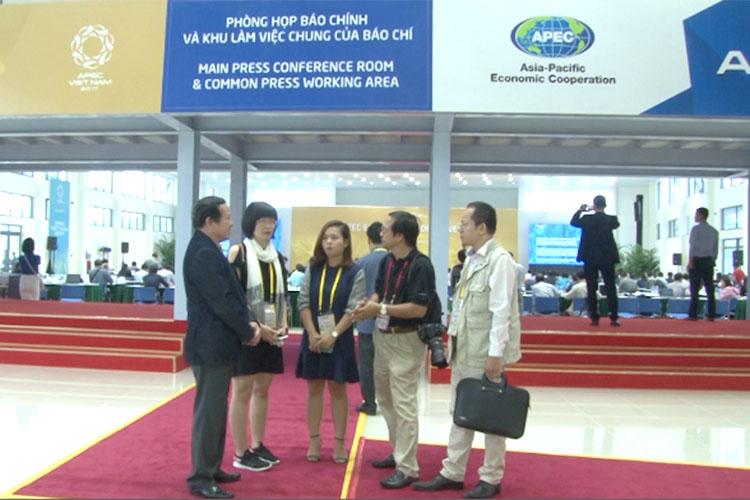 Tác nghiệp báo chí tại Tuần lễ cấp cao APEC 2017