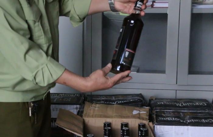 Đà Nẵng tạm giữ hơn 600 chai rượu ngoại không hóa đơn chứng từ