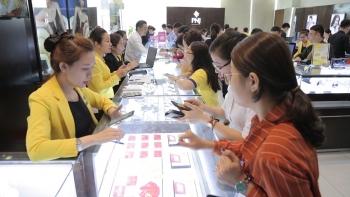 TP.Hồ Chí Minh: Nhộn nhịp thị trường vàng ngày Thần Tài