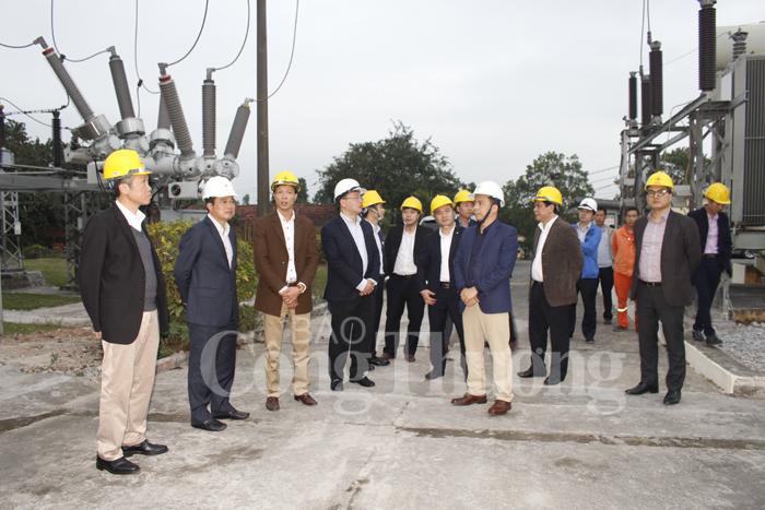 Thứ trưởng Hoàng Quốc Vượng kiểm tra công tác đảm bảo cung cấp điện tại Quảng Ninh