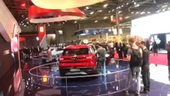VinFast tiếp tục thu hút truyền thông thế giới tại Paris Motor Show