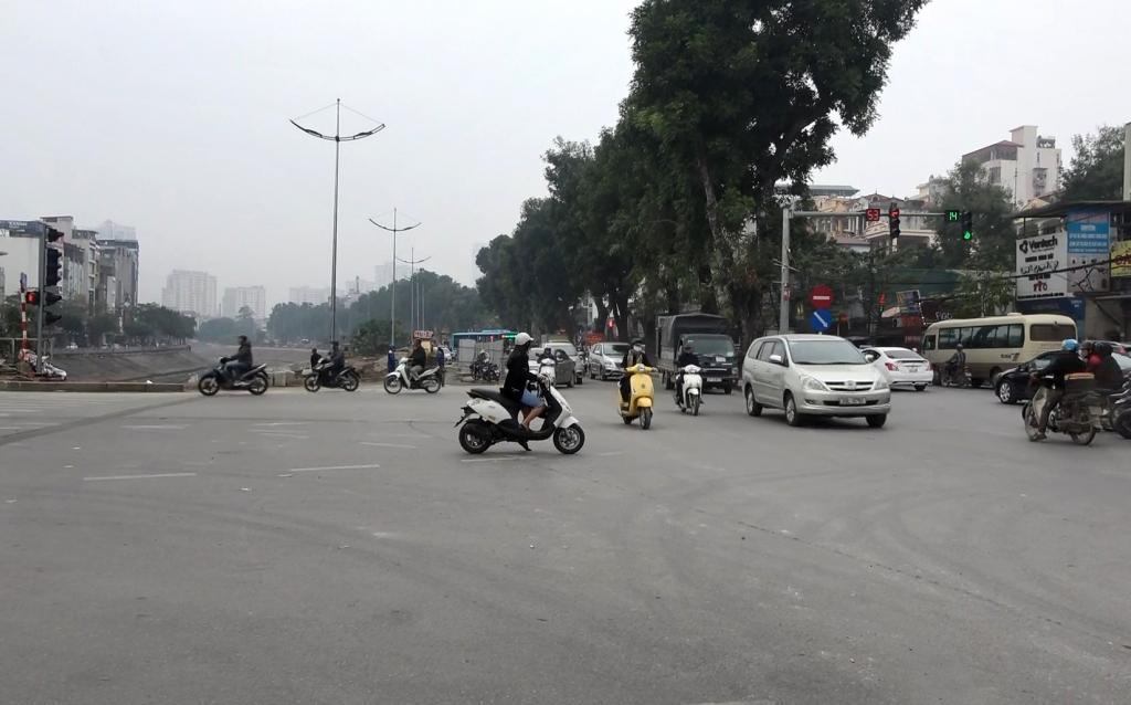 Dân Thủ đô đã có thể du Xuân thuận lợi trên đường Láng