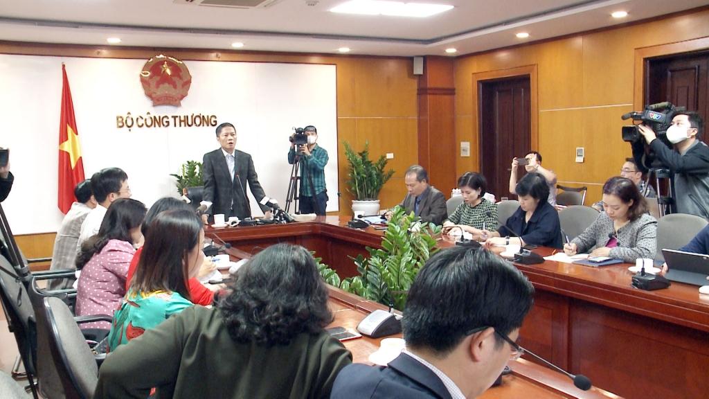 Bộ trưởng Bộ Công Thương: Đảm bảo cung ứng đủ hàng hóa cho người dân trong dịch Covid-19