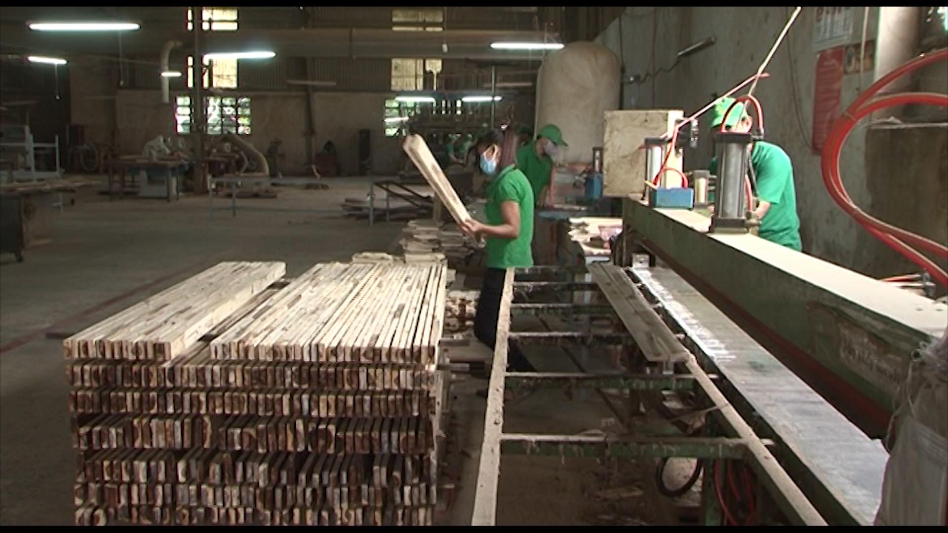 Tháo điểm nghẽn cho doanh nghiệp tiếp cận vốn vực dậy sản xuất