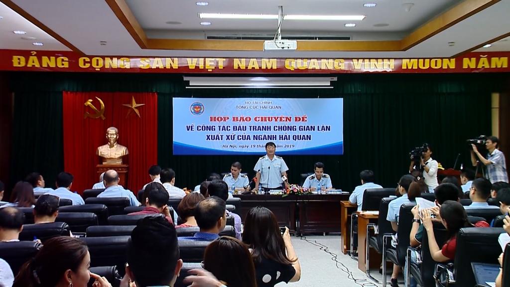 Mạnh tay với hành vi giả mạo xuất xứ hàng hoá Việt Nam