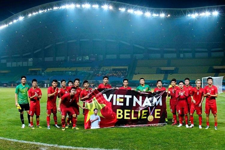 Olympic Việt Nam vào bán kết ASIAD, sốt tour đi Indonesia cổ vũ bóng đá