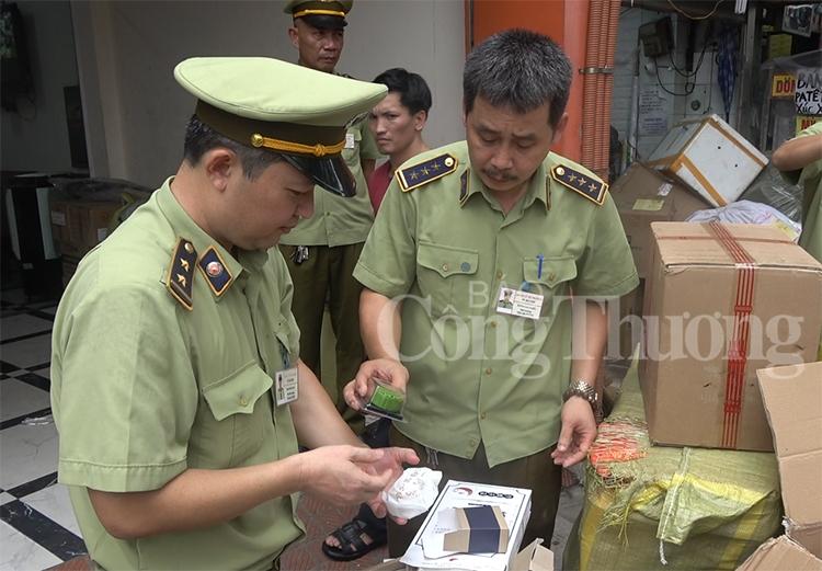 Hà Nội: Chặn đứng lượng lớn thực phẩm nhập lậu từ Trung Quốc