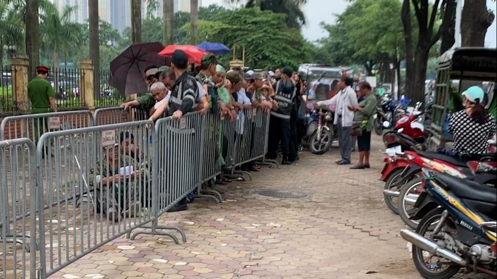 Trước giờ bóng lăn, vé xem trận Việt Nam – Thái Lan cao gấp 10 lần